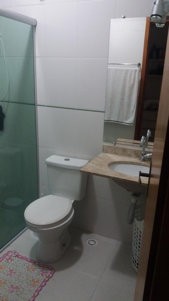 https://paineldosistema.com.br/painel/api/galeria/marcaDagua.php?id=15624&pasta=dfdwrgy10r&posicao=inferior-direita&imagem=banheiro.jpg