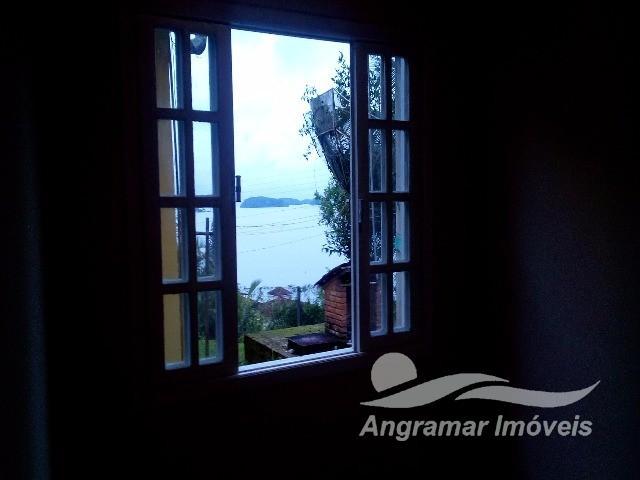 Casa em Gambôa do Belém (Cunhambebe)  -  ANGRA DOS REIS - RJ